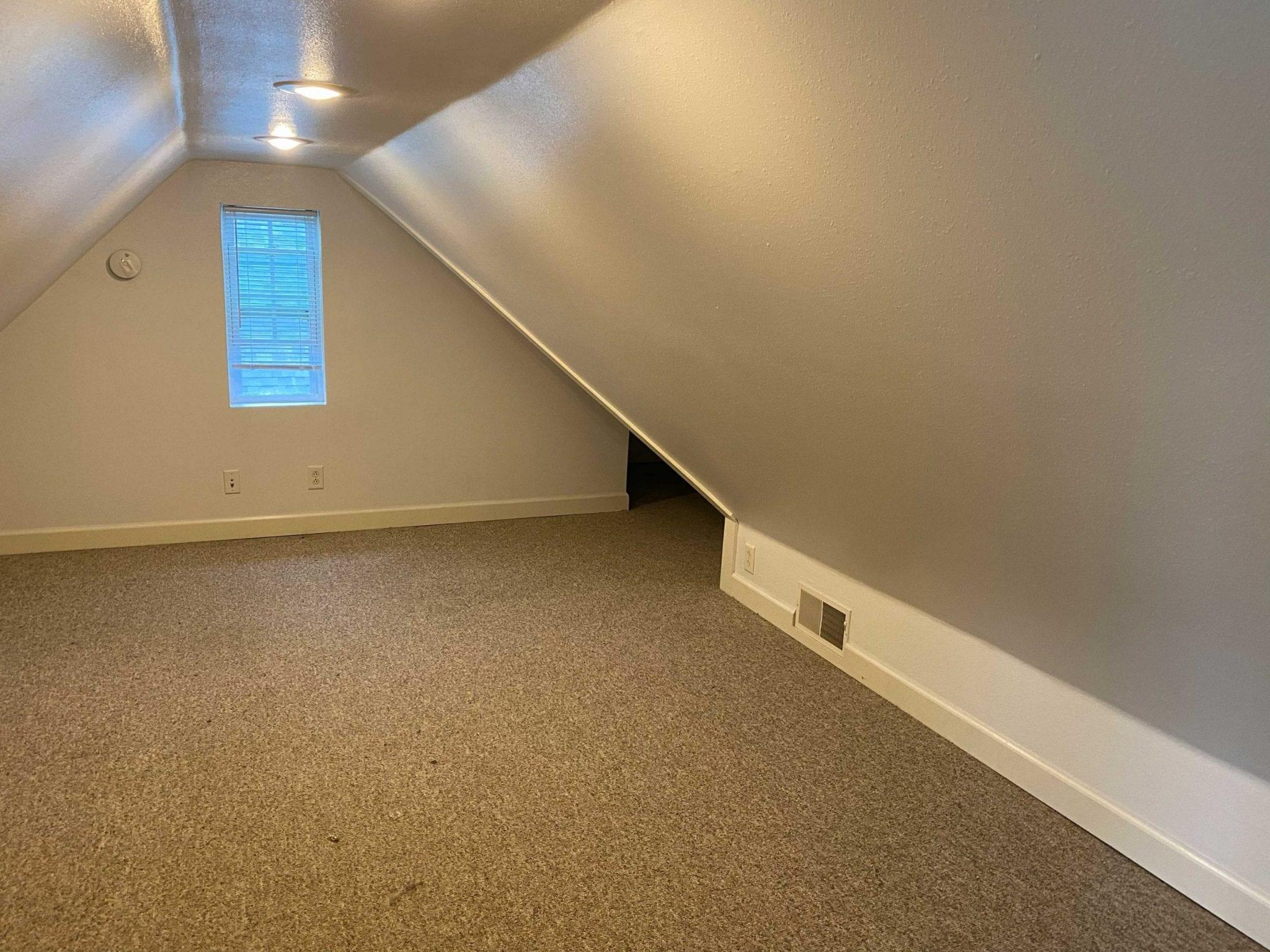 Upstairs Loft (Bedroom)